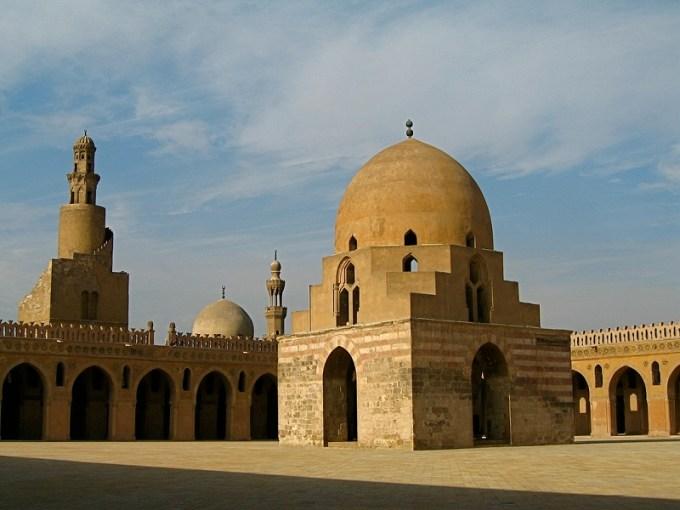 Masjid Ibnu Tulun yang Berada di Mesir