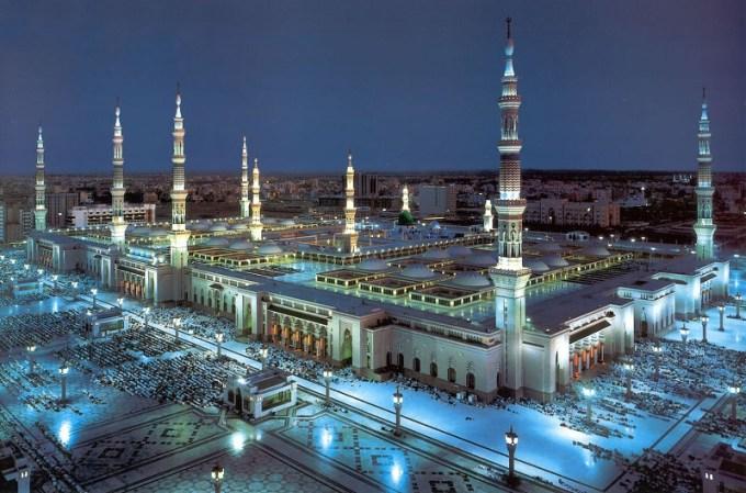 Masjid Nabawi yang Berada di Madinah