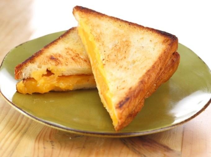 Roti panggang selai