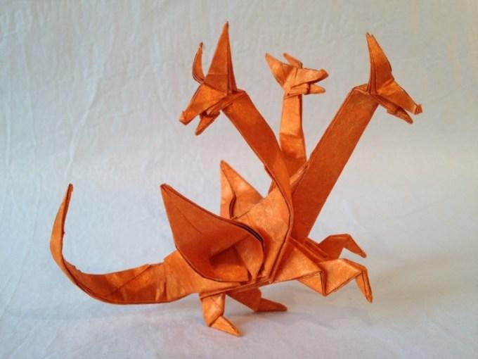 Origami naga berkepala tiga berbadan satu