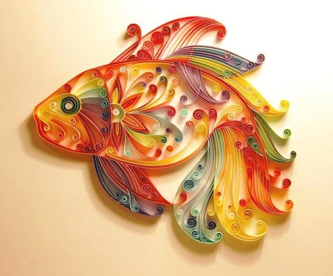 Karya seni dari kertas berbentuk ikan