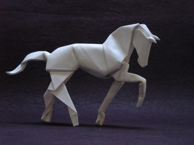 Seni origami berbentuk kuda