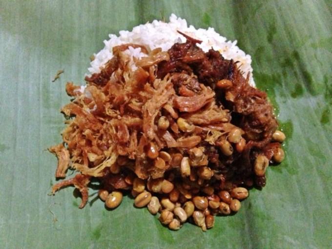 Nasi balap puyung khas Lombok