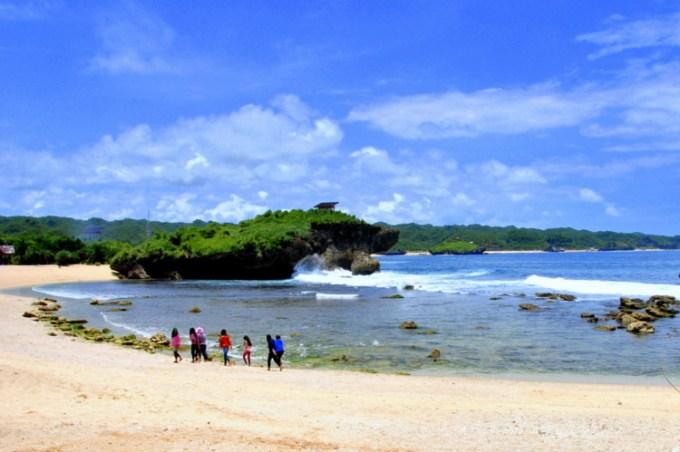Pantai Sarangan Gunungkidul
