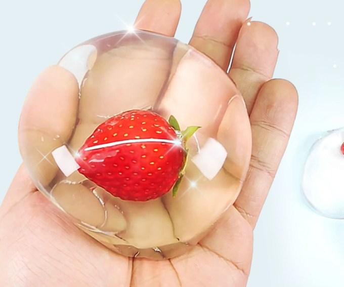 Raindrop Cake Strawberry
