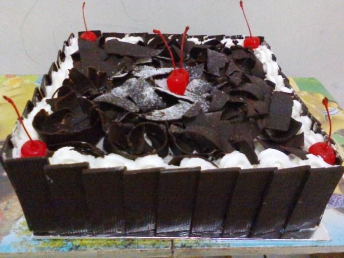 Kue Tart untuk ulang tahun black forrest