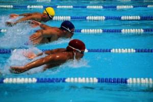 Belajar berenang