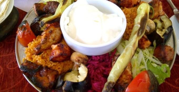 Makan di Istanbul Turki