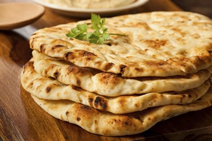 Naan, salah satu Makanan India