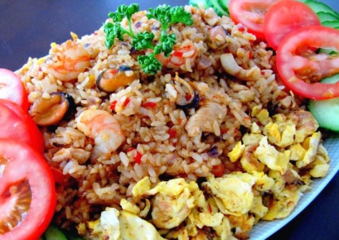 Resep dan cara membuat nasi goreng spesial restoran
