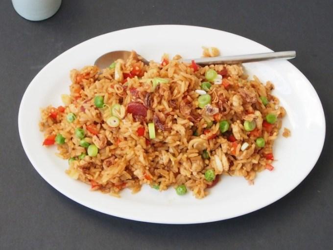 Resep dan cara membuat nasi goreng pedas