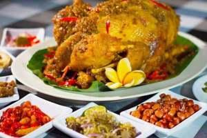 Wisata Kuliner Bali Ayam Betutu Bali