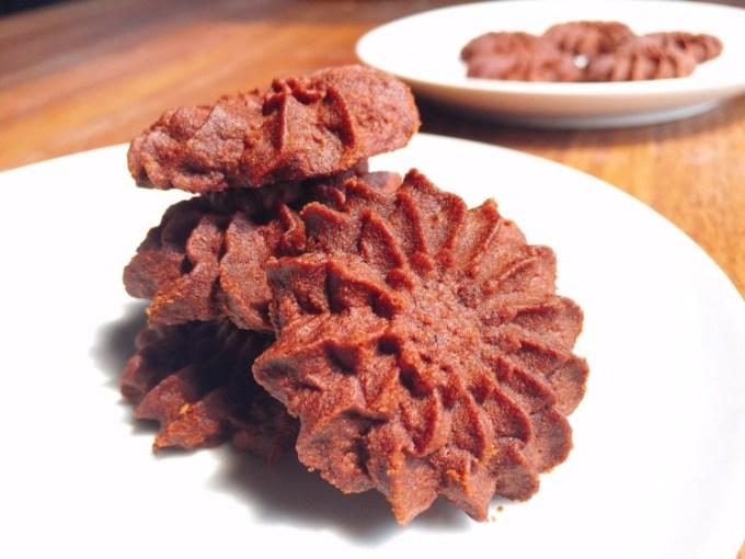 Kue Semprit Coklat
