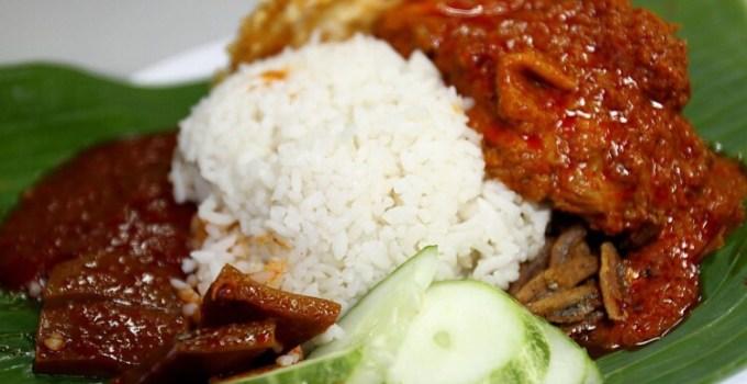 Nasi lemak makanan khas Malaysia