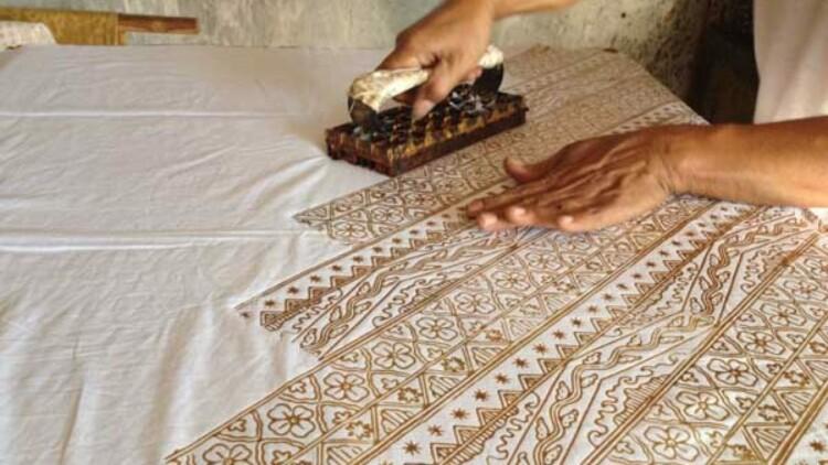 Cara Membuat Batik Cap Yang Mudah Dan Sederhana
