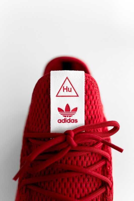 tag sepatu adidas