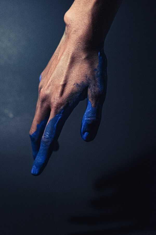 cara menghilangkan cat di tangan