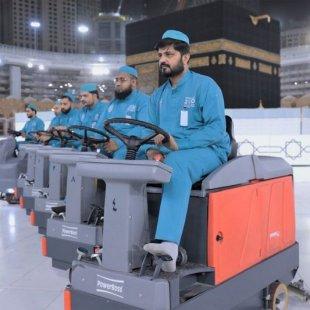 3 آلاف عامل لتعقيم الحرم بـ 2160 لترًا من المعقمات يوميًا