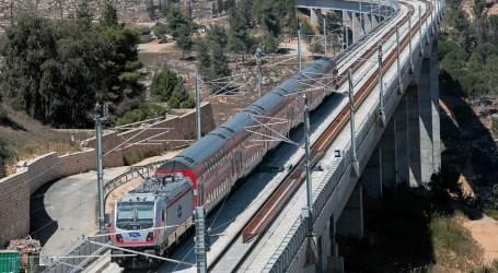 Poca gente en las estaciones de trenes de Israel