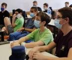 Los niños mayores de 12 años y en riesgo serán vacunados contra corona