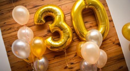 Festejando los primeros 30 años al frente de la Comunidad.