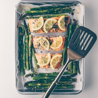 ONE PAN ROASTED LEMON SALMON AND ASPARAGUS