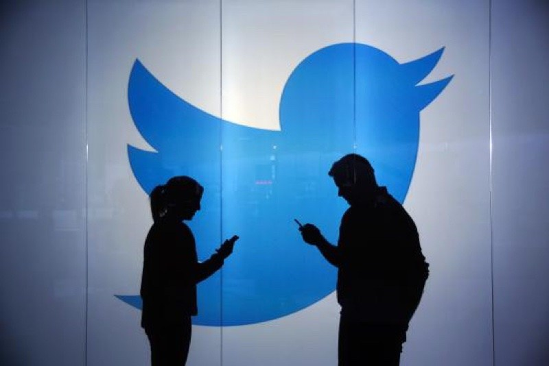 twitter resize 鎖定服務背後數據 傳Google、微軟、Verizon等有意收購Twitter