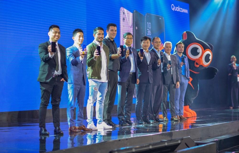 resize 華碩菲律賓ZenFone 5記者會與會貴賓大合照 華碩執行長透露未來計畫打造遊戲手機 或許將冠上ROG品牌
