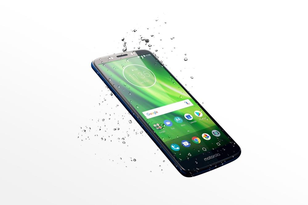 resize moto g6play pdp fullbleedhalf splash d na Motorola同步揭曉平價機種Moto G6系列,以及大尺寸Moto E5系列