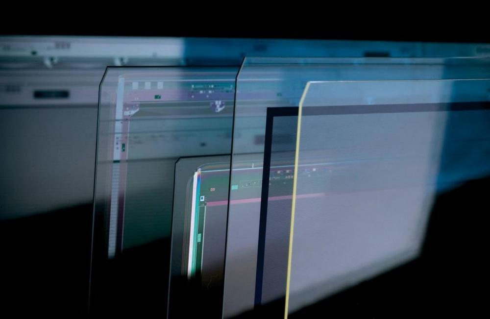 resize 925681b4a4557e9 康寧打造全新Iris Glass 讓大尺寸螢幕電視可以更薄、顯色效果更好