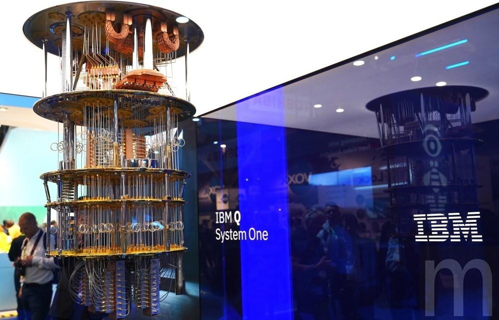 DSC00465 IBM展示通用量子電腦Q System One 但距離實際應用還很早