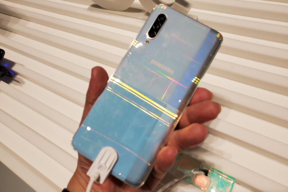 20190905 141731 動眼看/三星首款中階旗艦定位的5G連網手機Galaxy A90 5G