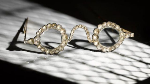 Rare-Mughal-spectacles-auctioned