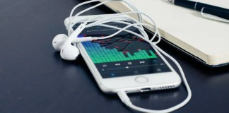 Play MP3 on iPhone