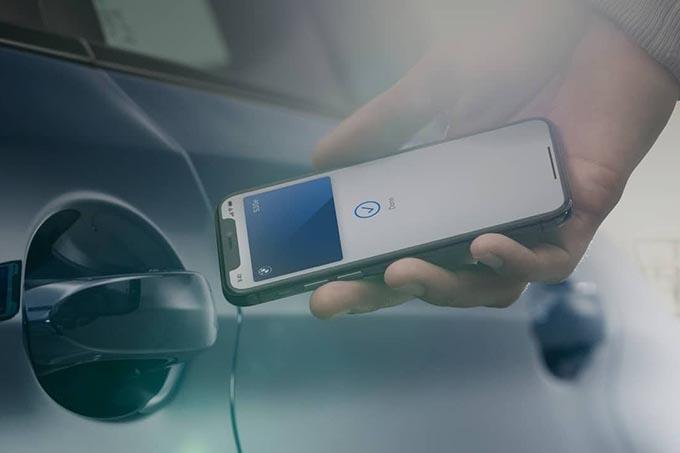 iPhone BMW Car Key on Wallet App
