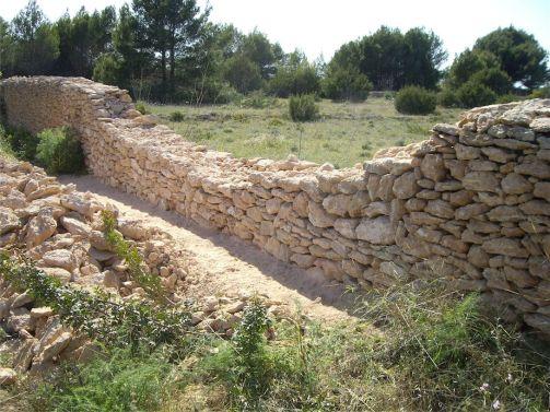 8 Elevación de la pared de piedra