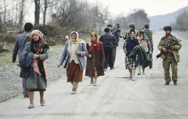 """Drei Bedeutungen von """"Geschichte"""": Zum Massenmord von Xocalı (Chodschali)"""