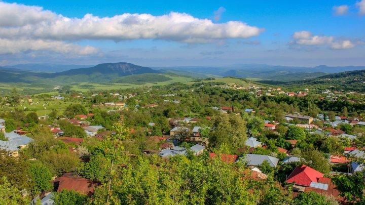 Kelaghayi: Seidentücher aus Aserbaidschan