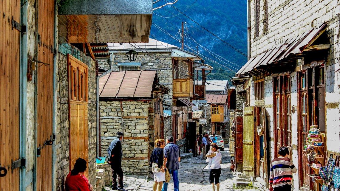 Weltweit bekannt: Kupferkunst aus Lahidsch — Aserbaidschan