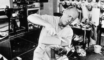 Bill Bowerman credor de Blue Ribbon Sport, Nike.