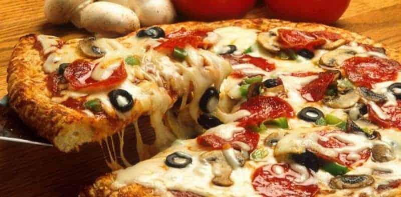 tekstur pizza italia, kenyal pizza, serunya makan tradisional
