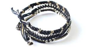 Wakami-armband i blått, vitt och silver: Circle of Life - fairtrade fashion