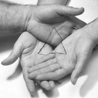 triangulo-manos