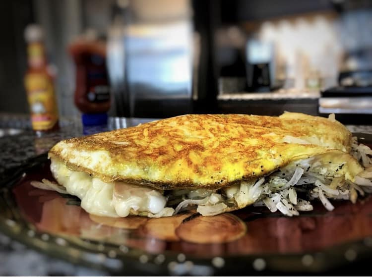 10-Minute High-Protein Breakfast Option: Egg White & Hash Brown Frittata and Omelet Hybrid (Frittomelet)