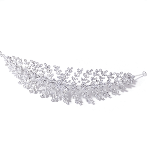 Delicately designed and features an abundance of high-quality cubic zirconia crystals, the Kate bridal headpiece is an exquisite statement piece for your special day. The headpiece is complete with eyelets so that it can be pinned securely into the hair.