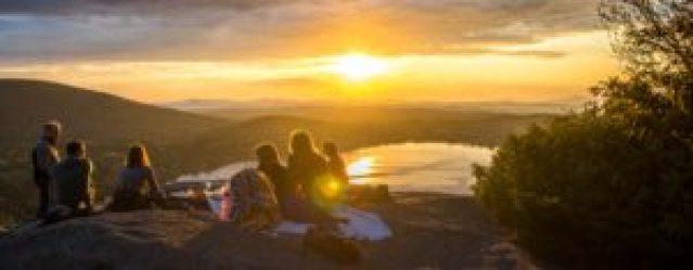 retraite spirituelle groupe coucher de soleil