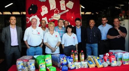 Canaragua entrega casi mil kilos de alimentos a Cruz Roja de San Bartolomé de Tirajana
