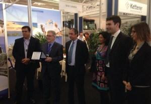 """Bravo de Laguna recoge el premio concedido a Gran Canaria como """"Mejor Destino de Calidad 2013"""""""