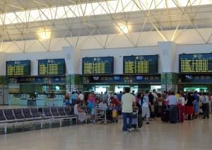 Aeropuerto de Gran Canaria, sala de embarque