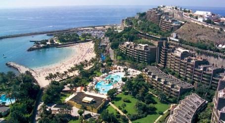 Anfi del Mar paga este miércoles a los jardineros tras la jornada de huelga